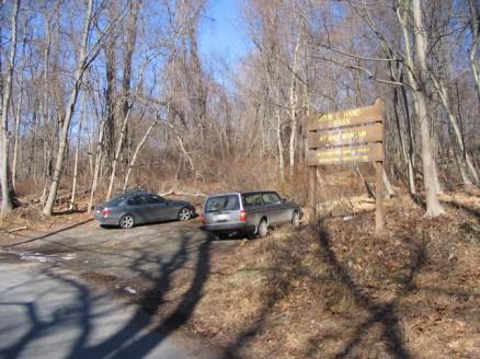John E Hand Park parking area